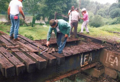 1994 July Industry Jennings Run Bridge Volunteers 0004 a