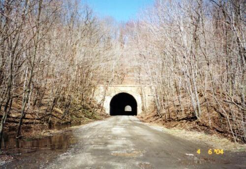 2004 Borden Tunnel Pre-Const 0001 a