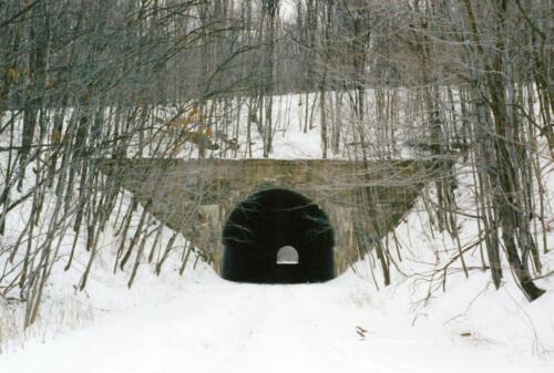 2004 Borden Tunnel Pre-Const 0004 a