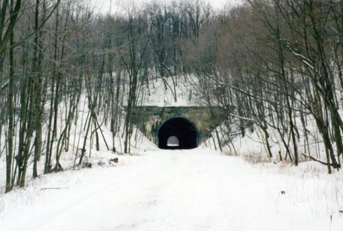 2004 Borden Tunnel Pre-Const 0005 a