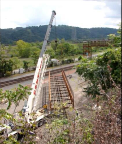 Port Perry 005 crane lifting bridge
